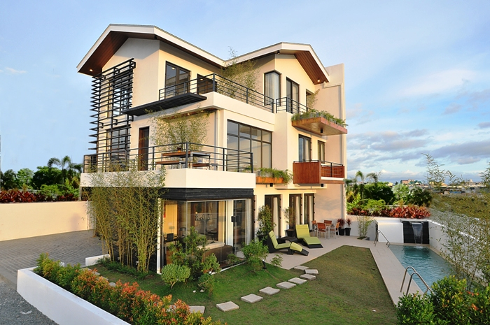 house in the Philippines near a unverisity